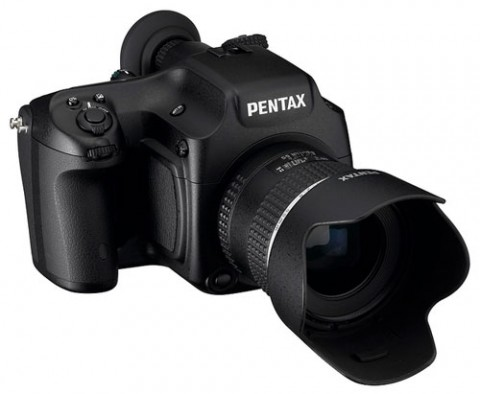Pentax 645D DSLR camera is aimed at scenery