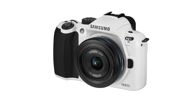 Samsung NX10 Comes in Black and White for a Limited Time