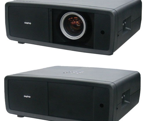 Sanyo PLV-Z4000 projector sports 65,000:1 contrast