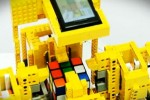 Motorola Droid Solves a Rubik's Cube Thanks to LEGO Robot [Video]
