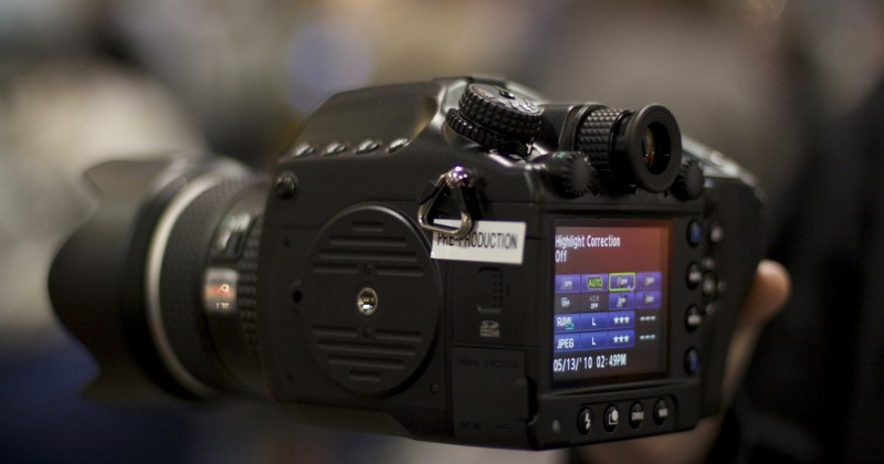 40MP Pentax 645D camera gets video demo, one step closer to release