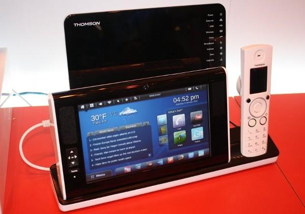 Thomson Portable Info Center tablet breaks cover [Video]