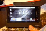 DROID-X-hands-on-03-slashgear-