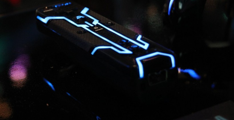 TRON-Themed Xbox 360, PS3, and Wii Controllers Shown Off at E3