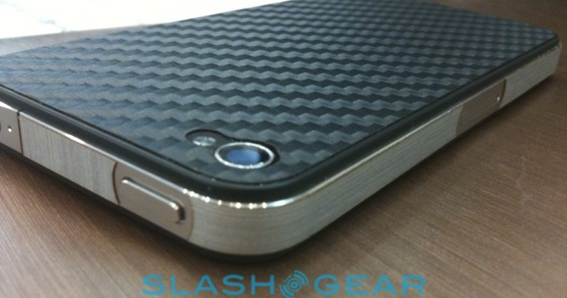 StealthArmor squashes iPhone 4 signal issue [Update: Not so fast!]