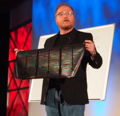 HP Showcases Flexible Displays, Hints at webOS Future