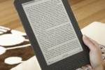 Kindle DX (graphite) Lifestyle 2