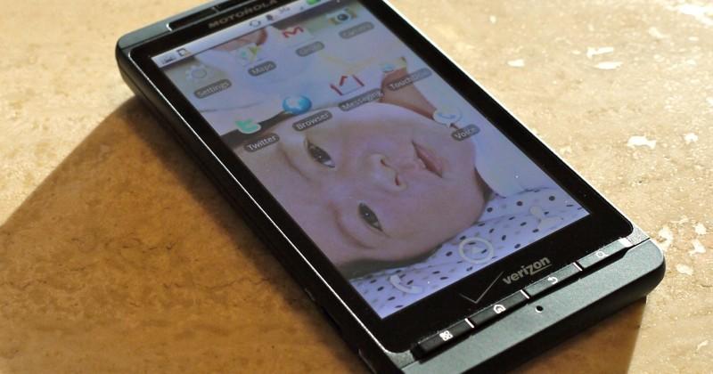 Verizon DROID X hits virtual shelves for $200