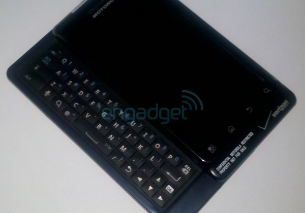 Verizon DROID 2 and FiveSpot global MiFi spotted; new BlackBerries incoming plus 10.1-inch tablet