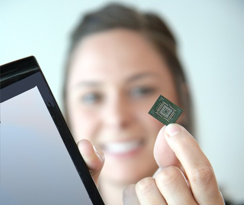 SanDisk's 64GB SSD is Smaller Than a Postage Stamp