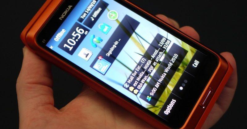 Nokia E7 hands-on [Video]