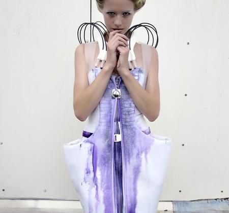 Pseudomorph Dress Paints Itself Using Pneumatic Control Valves [Video]
