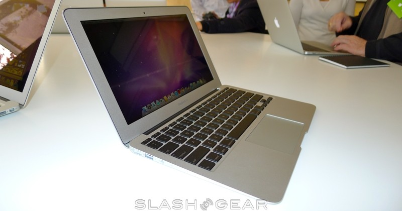 macbook-air-2010-02-slashgear