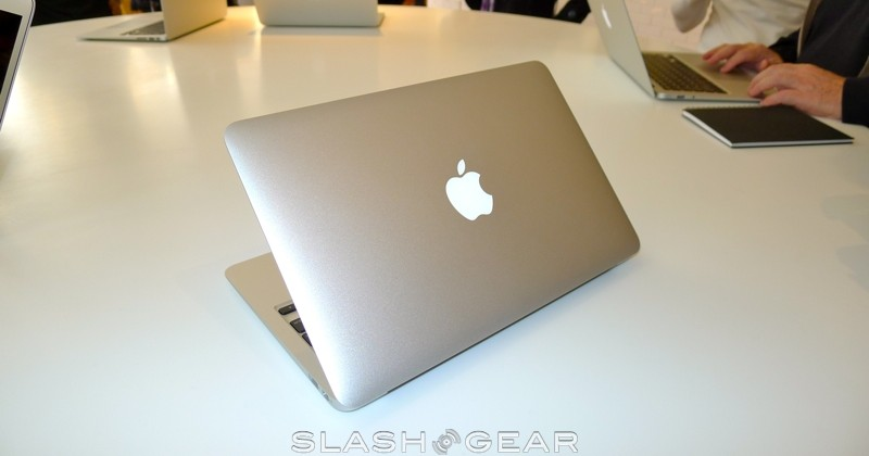 macbook-air-2010-04-slashgear