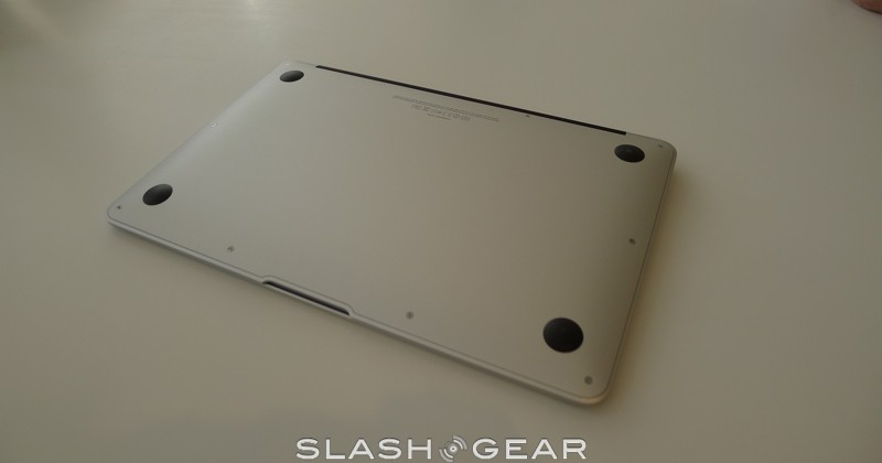 macbook-air-2010-07-slashgear