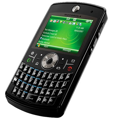 "Motorola's Windows Phone 7 plans ""open"" despite recent patent suit"