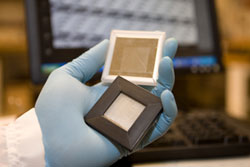 Researchers develop new screen tech with best features of LCD and eReader screens in one