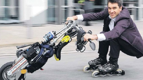 FlyRad scooter thingy combines a unicycle with rollerblades