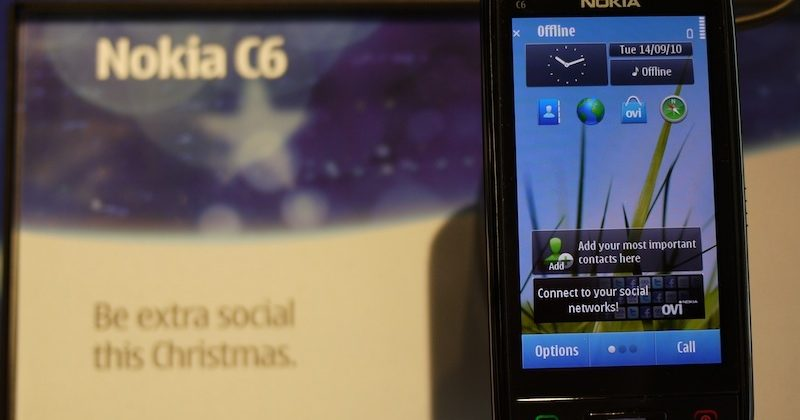 Nokia C6-01 begins shipping