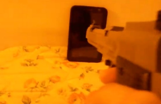 Brave Samsung Galaxy Tab owner tests Gorilla Glass with air-pistol [Video]