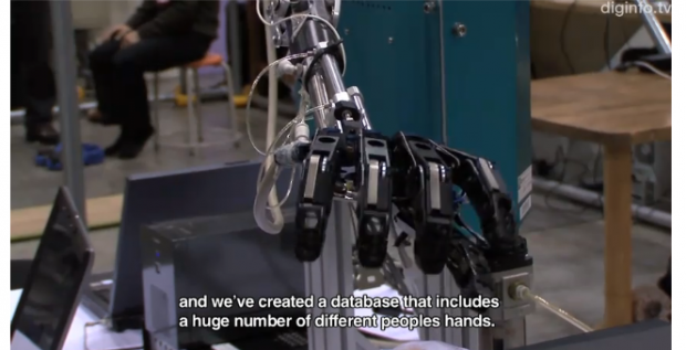 Gesture-Controlled Robot Arm Watches Video, Reacts in Near Real-Time [Video]
