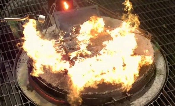 Google smash, freeze & burn 25 Cr-48 Chrome OS notebooks in praise of the cloud [Video]