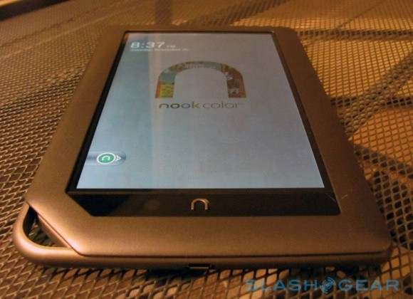B&N NOOK server failures prompt holiday headaches (again)