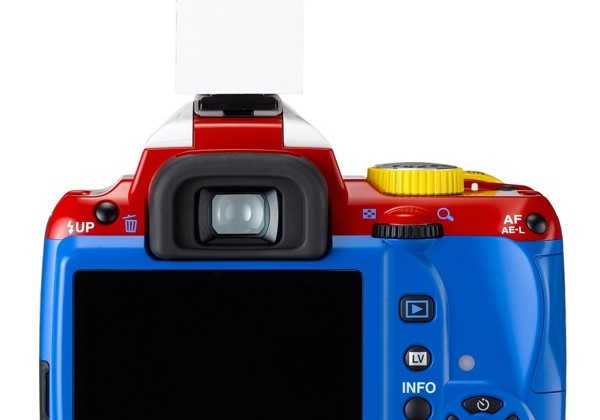 Pentax K-r limited edition gets bizarre robot theme makeover