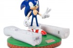 Sonic the Hedgehog inductive Wii Remote charger from Mad Catz