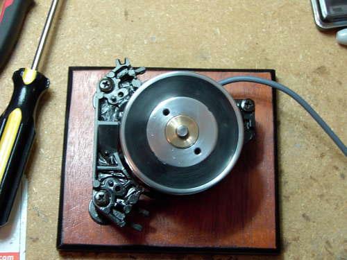 DIY jog wheel controller uses old VCR head
