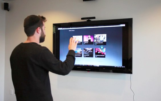 Kinect hack motion-controls Flash UIs [Video]
