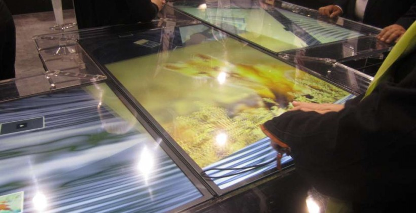 MultiTouch Shows Off 32- and 46-Inch Multitouch Displays at CES 2011