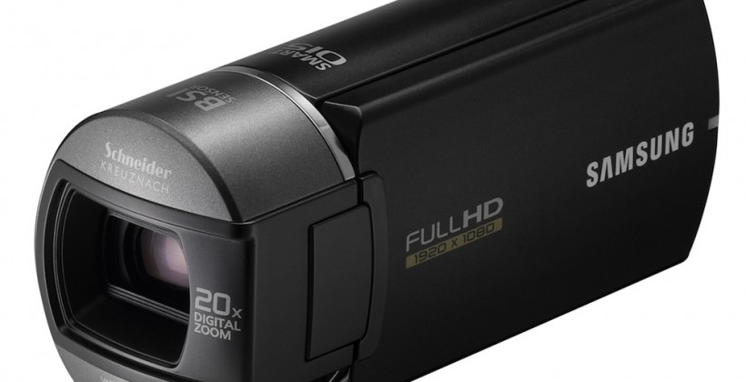 Samsung HMX-Q10 HD camcorder auto-flips its touchscreen