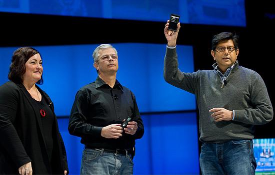 Intel Medfield smartphone prototype gets brief preview