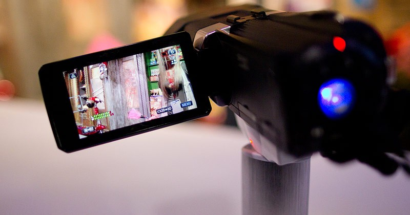 JVC GS-TD1 Full HD 3D Camcorder hands-on
