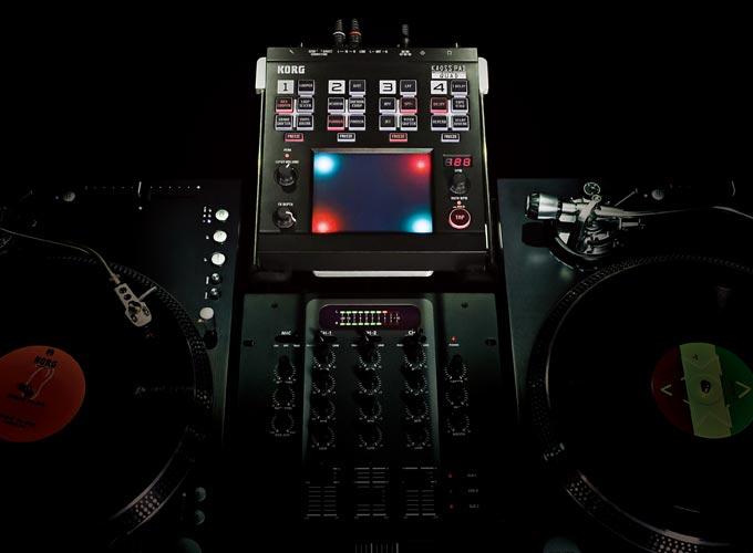 korg kaoss pad quad mangles audio with 4 effect touchpad control slashgear. Black Bedroom Furniture Sets. Home Design Ideas