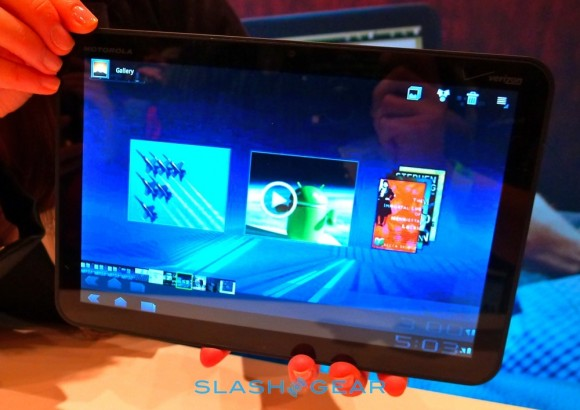 Motorola XOOM WiFi-only in April; 800k shipments expected Q1