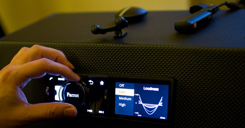 Parrot Asteroid head unit: Bringing Android to your Automobile