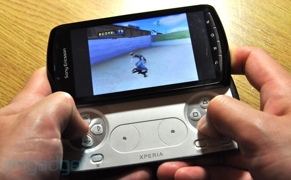 Sony Ericsson XPERIA Play gets pre-release preview [Video]