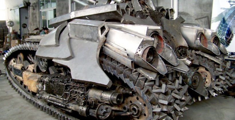 DIY Transformers 2 Megatron tank is utterly crazy