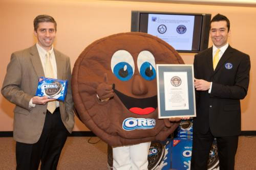 """Oreo sets Guinness World Record for most """"Likes"""" on a Facebook Post in 24hrs"""