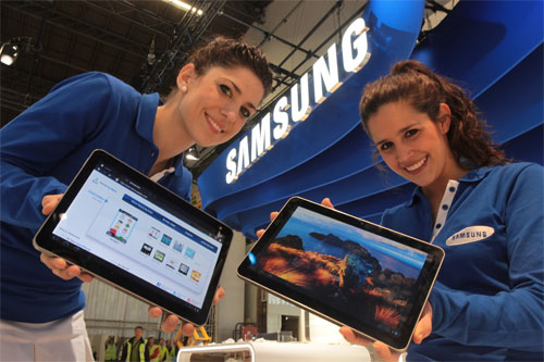 Samsung Galaxy Tab 10.1 Official: Tegra 2 and Honeycomb