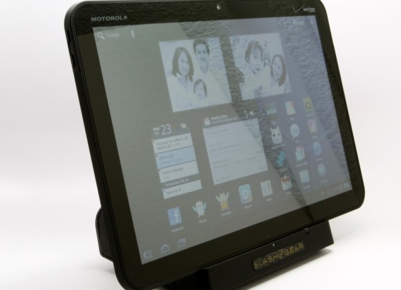 Motorola Reducing XOOM Orders Signals New Tablet In The Works?
