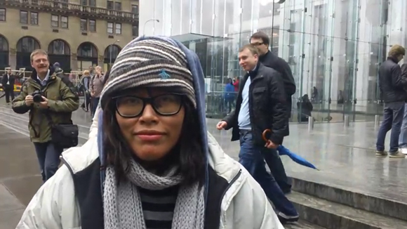 NYC Student 1st In Line For iPad 2, Sells Spot For $900