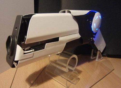 Geek creates DIY pulse laser pistol that can burn plastic and melt foam