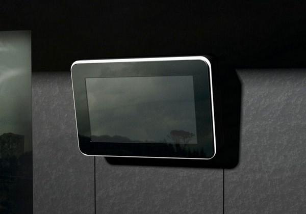 I-Voluce 46-inch Gesture Control Display has 3D depth sensing
