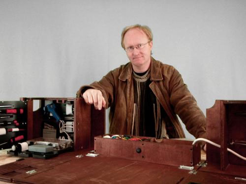 Ben Heck reworks his portable workbench
