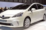 Japanese Prius Plus to get lithium ion battery option