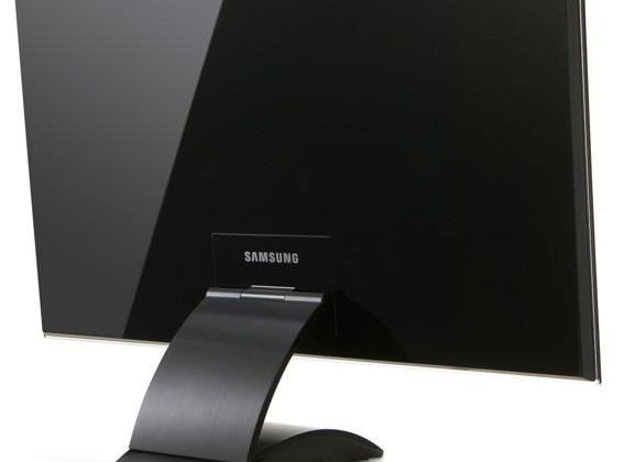 Samsung 27-inch LCD with Ultra Wide Band technology breaks cover