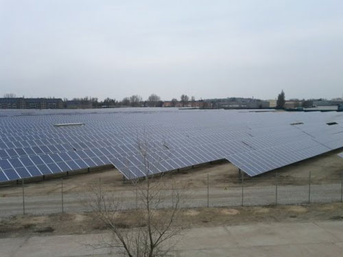 Google buys 49% of German solar power plant